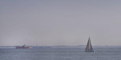 Strand zee en boten